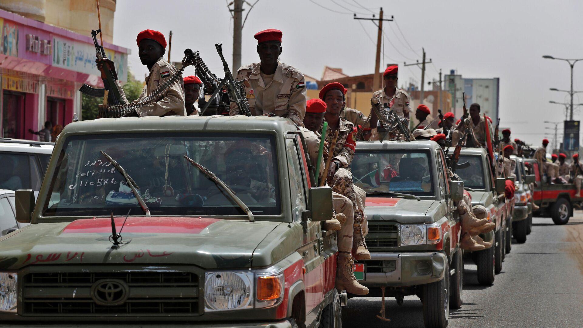 Суданские военнослужащие из формирования Силы быстрой поддержки в Хартуме, Судан  - РИА Новости, 1920, 21.09.2021
