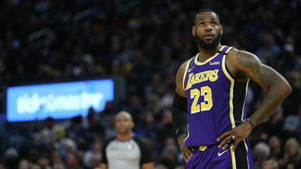 Форвард клуба НБА Лос-Анджелес Лейкерс Леброн Джеймс