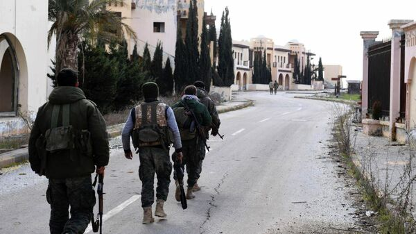 Сирийские военные в южной сельской местности Алеппо