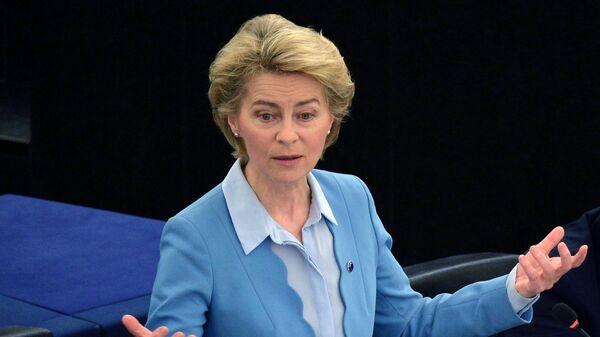 Председатель Европейской комиссии Урсула фон дер Ляйен выступает на пленарной сессии Европейского парламента в Страсбурге