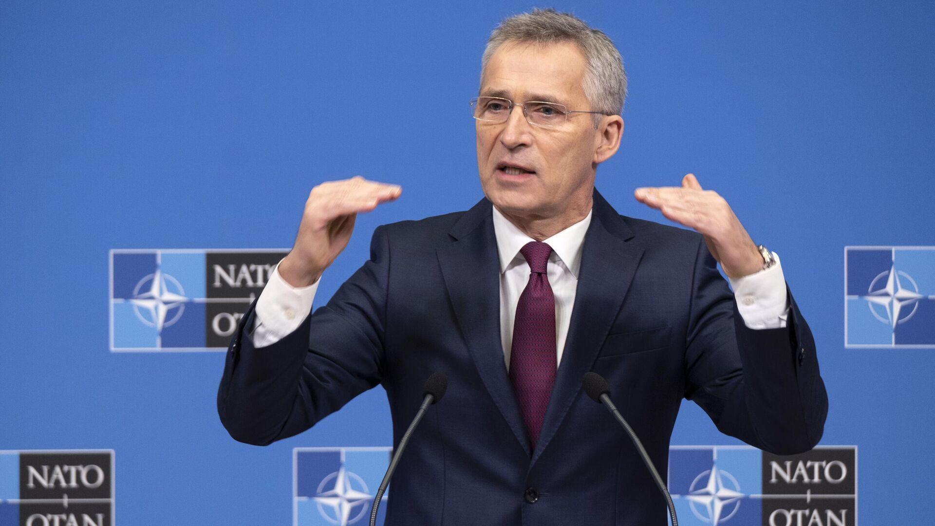 Генеральный секретарь НАТО Йенс Столтенберг во время пресс-конференции в Брюсселе - РИА Новости, 1920, 06.09.2021