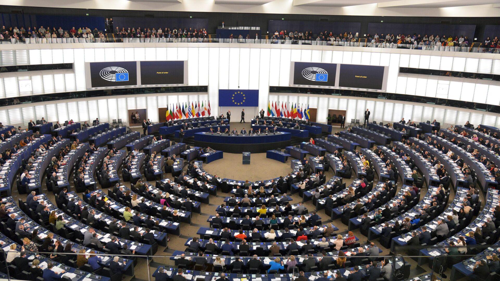 Депутаты на пленарной сессии Европейского парламента в Страсбурге - РИА Новости, 1920, 21.01.2021