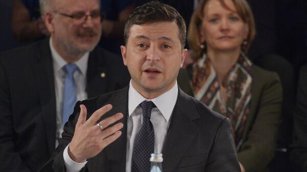 Президент Украины Владимир Зеленский выступает на Мюнхенской конференции по безопасности в Мюнхене.