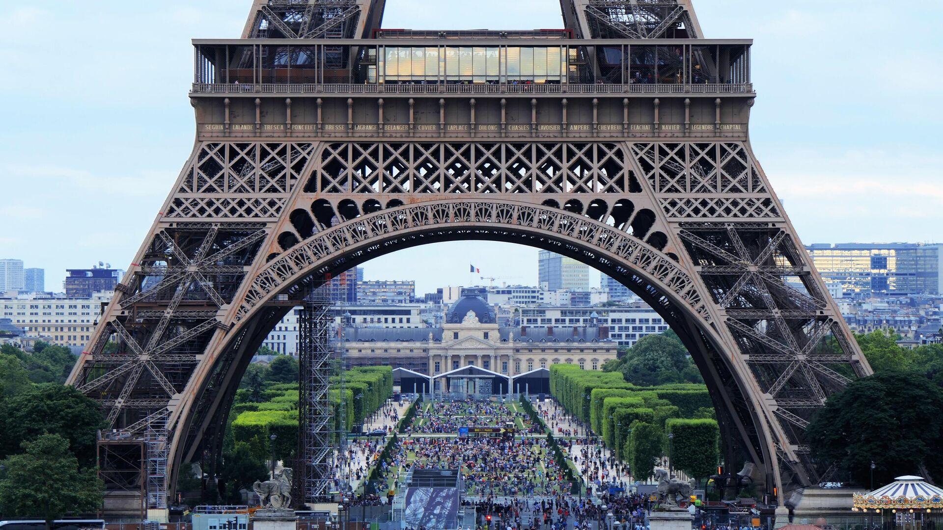 Эйфелева башня в Париже - РИА Новости, 1920, 20.09.2021