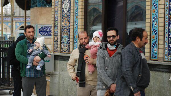 Парламентские выборы в Иране. Избирательный участок в мечети Имамзаде Салех