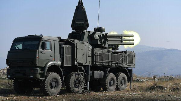 Зенитный ракетно-пушечный комплекс Панцирь-С1 во время совместных российско-сербских учений ПВО Славянский щит в Сербии
