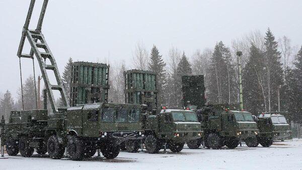 Зенитная ракетная система С-350 Витязь поступила в Воздушно-космические силы РФ