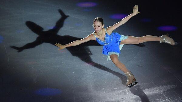 Александра Трусова выступает на гала-вечере фестиваля фигурного катания Путь к победе!