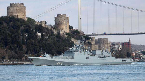 Фрегат Адмирал Григорович в проливе Босфор. 28 февраля 2020