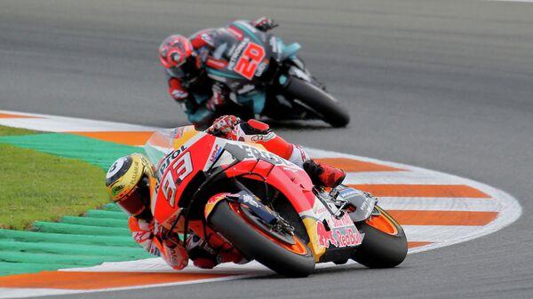 Марк Маркес и Фабио Квартараро во время Гран-при Валенсии MotoGP