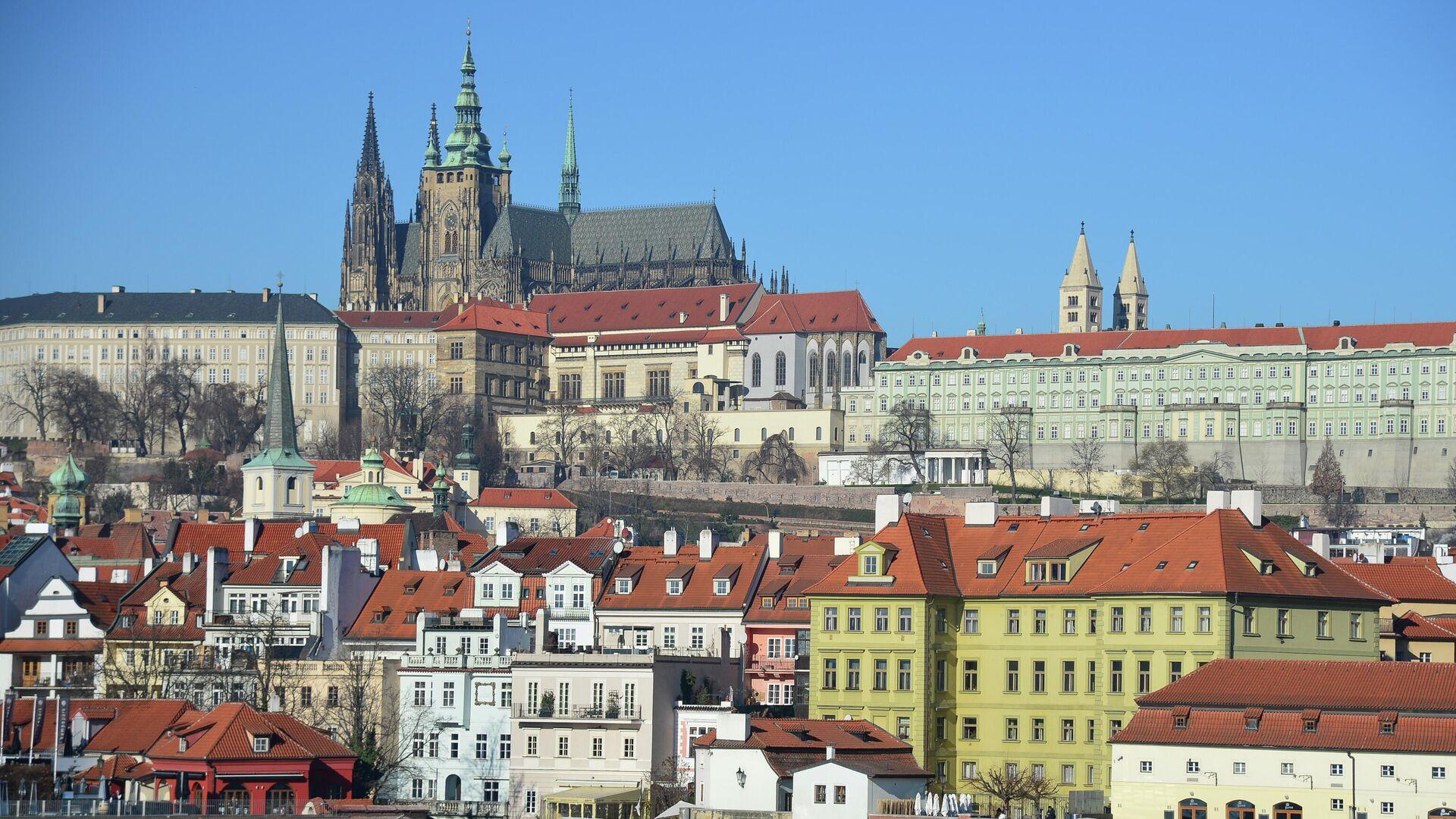 Вид на Пражский Град и собор Святого Вита от реки Влтава в Праге - РИА Новости, 1920, 04.05.2021