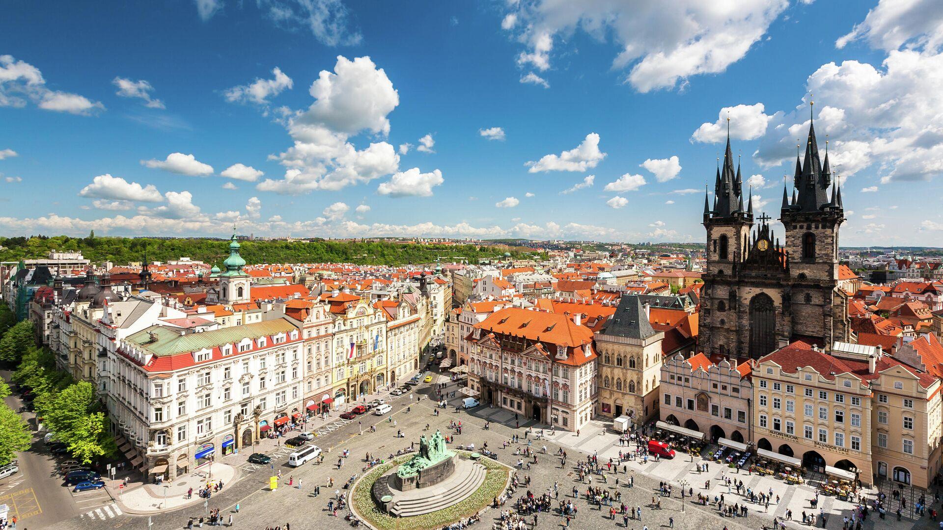 Вид с башни ратуши на Староместской площади в Праге  - РИА Новости, 1920, 09.06.2021