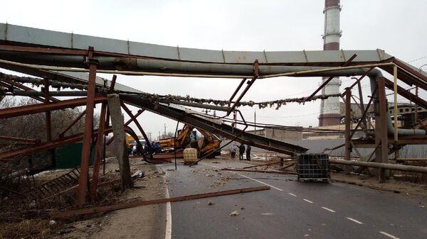 В результате ДТП на Речном шоссе произошло повреждение эстакады с газопроводом. Дзержинский, Нижегородская область