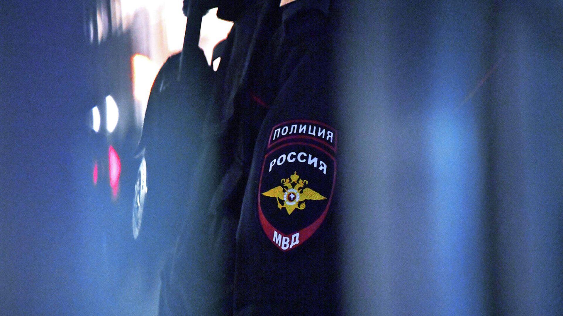 Эмблема на форме сотрудника полиции - РИА Новости, 1920, 02.10.2021