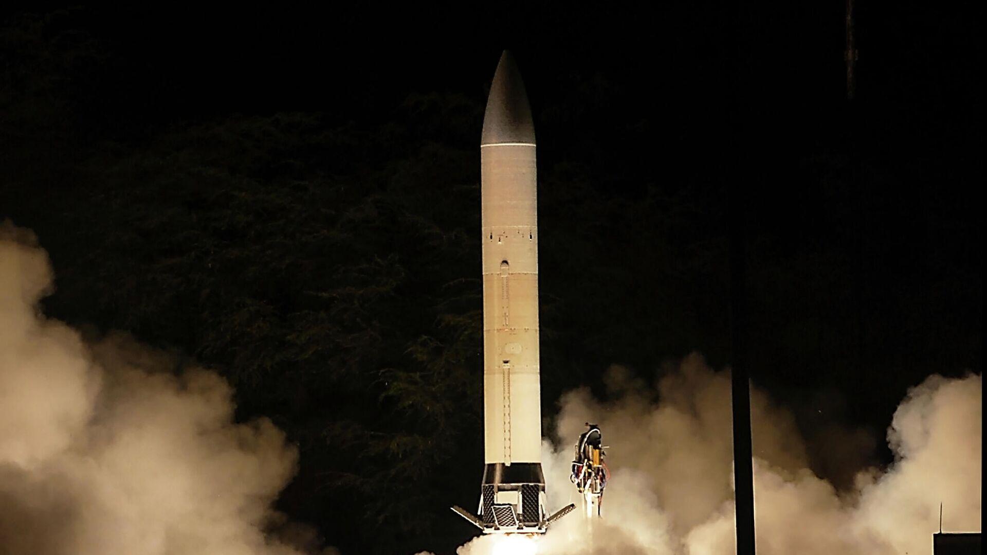 Первый запуск прототипа перспективного гиперзвукового оружия (Advanced Hypersonic Weapon ) на полигоне в США - РИА Новости, 1920, 22.09.2021