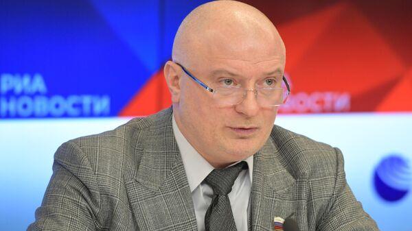 Андрей Клишас во время пресс-конференции в Международном мультимедийном пресс-центре МИА Россия сегодня