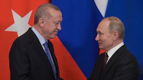 Президент РФ Владимир Путин и президент Турции Реджеп Тайип Эрдоган во время пресс-подхода по итогам российско-турецких переговоров