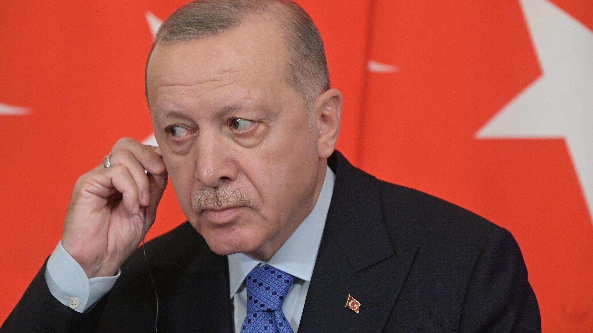Президент Турции Реджеп Тайип Эрдоган во время совместного с президентом РФ Владимиром Путиным пресс-подхода - РИА Новости, 1920, 22.09.2020