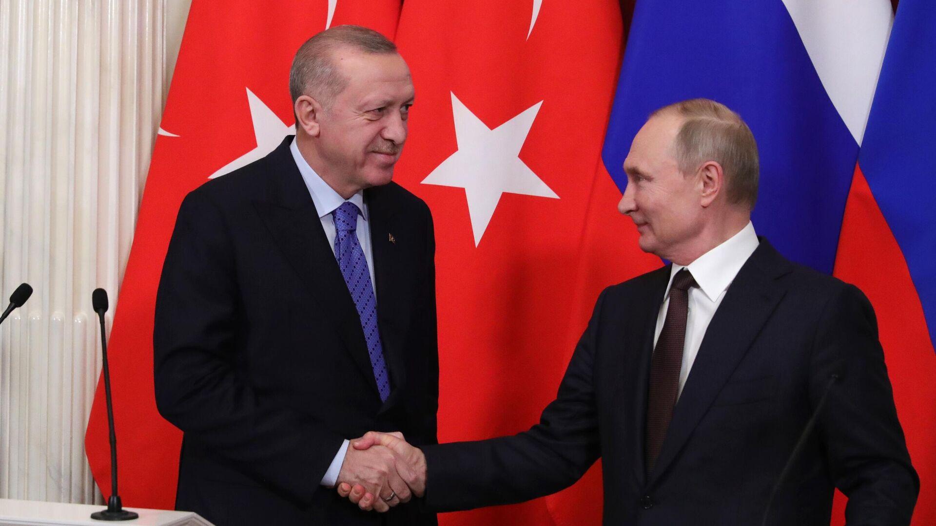 Президент РФ Владимир Путин и президент Турции Реджеп Тайип Эрдоган во время пресс-подхода - РИА Новости, 1920, 30.09.2021