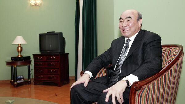Президент Киргизии Аскар Акаев. 1 апреля 2005