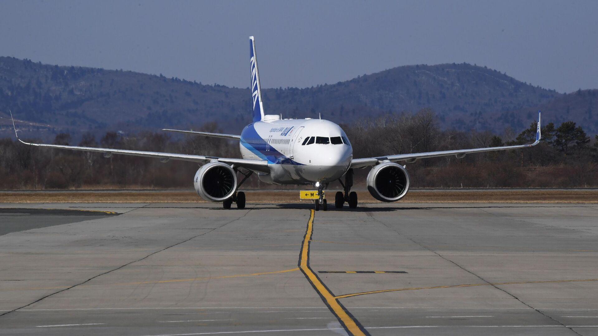Встреча первого рейса японской компании ANA во Владивостоке - РИА Новости, 1920, 29.01.2021
