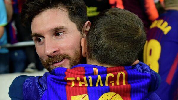 Лионель Месси со своим сыном Тиаго