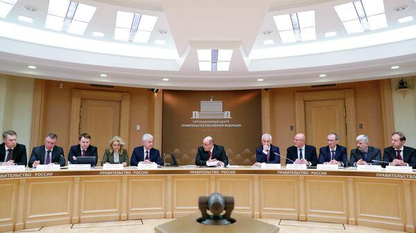 Председатель правительства РФ Михаил Мишустин проводит первое заседание координационного совета по борьбе с распространением коронавируса