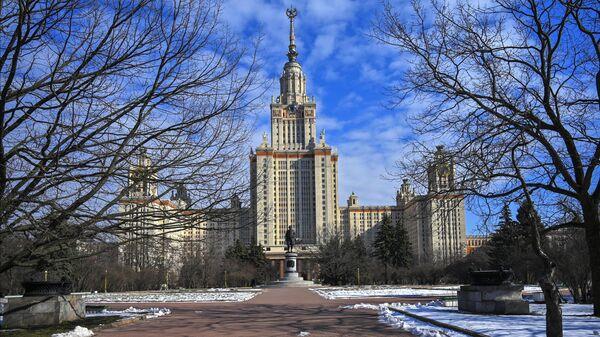 Главное здание Московского государственного университета имени М. В. Ломоносова
