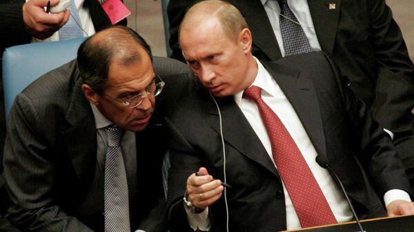 Президент РФ Владимир Путин, министр иностранных дел РФ Сергей Лавров (справа налево) на заседании Совета Безопасности ООН в Нью-Йорке
