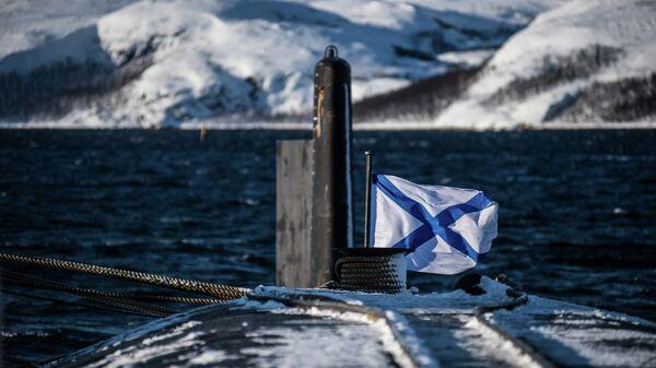 Андреевский флаг на корме атомной подводной лодки Северодвинск