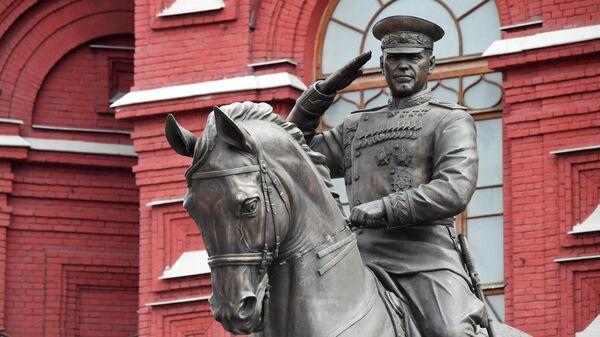 Новый памятник маршалу Георгию Константиновичу Жукову на Манежной площади в Москве