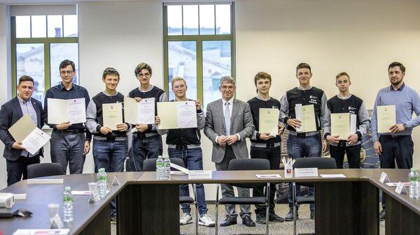 Награждение победителей Всероссийского чемпионата по робототехнике First Russia Robotics Championship