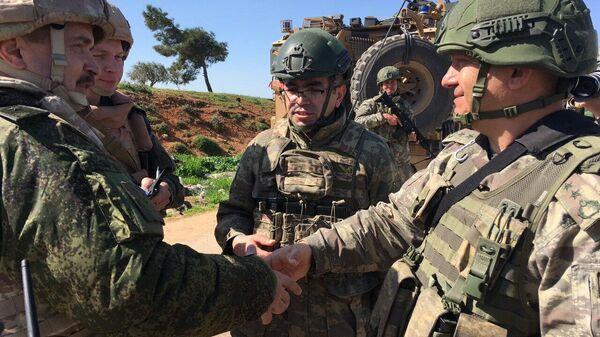 Второе российско-турецкое патрулирование трассы М4 в Сирии
