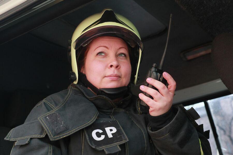 Анастасия Потемкина в служебной машине