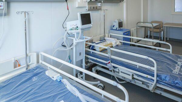 Палата инфекционной больницы в ТиНАО