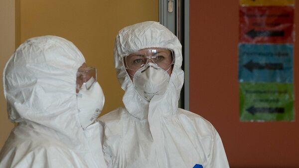 Отделение для больных с подозрением на коронавирусную инфекцию в городской клинической больнице №67 имени Л.А. Ворохобова в Москве