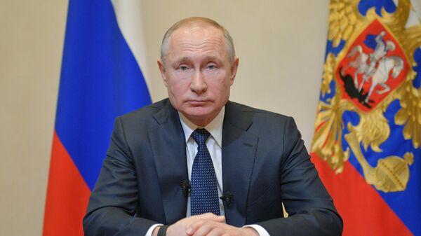Президент России Владимир Путин во время обращения к гражданам из-за ситуации с угрозой распространения коронавирусной инфекции