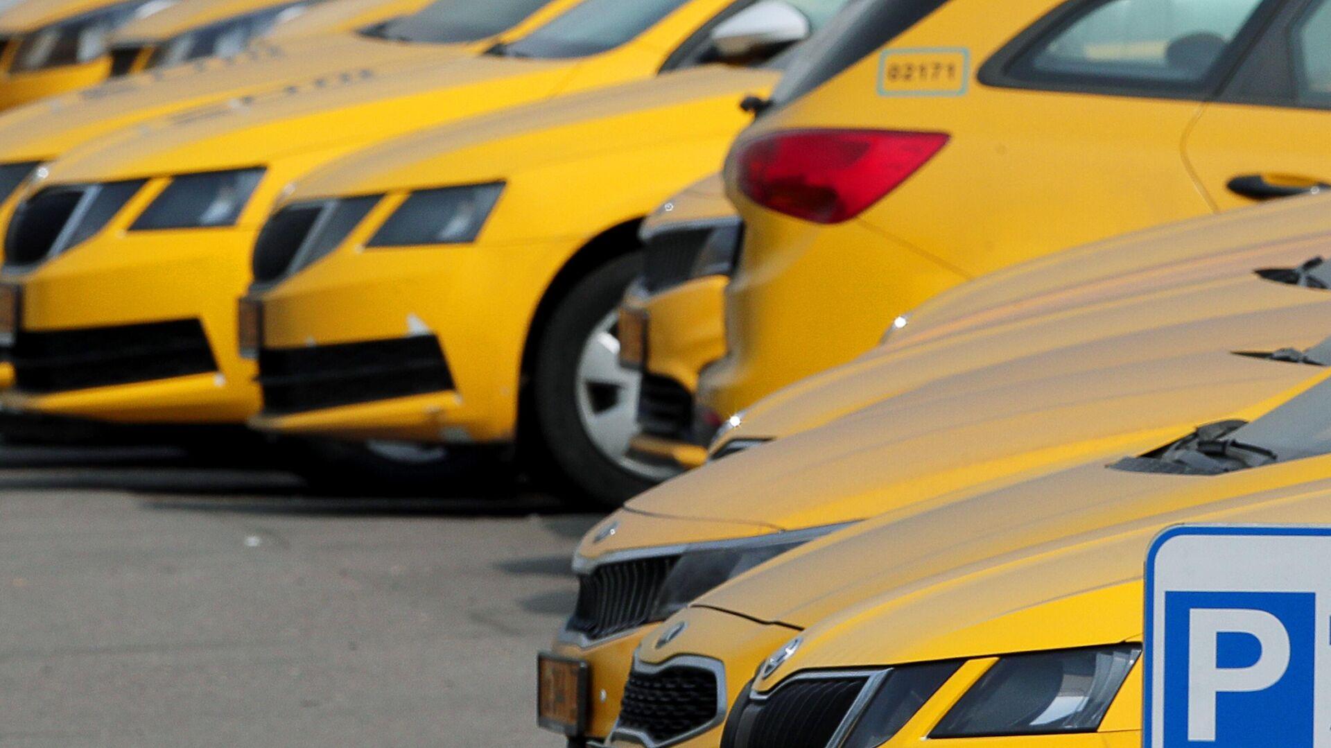 Автомобили службы Яндекс Такси в Москве - РИА Новости, 1920, 23.10.2020