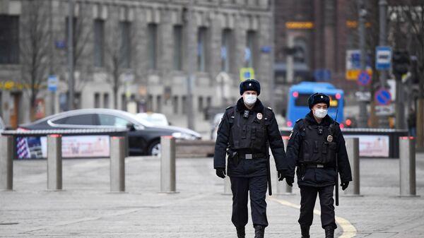 Сотрудники полиции в Москве