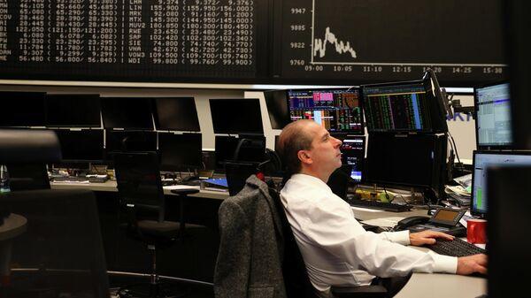 Трейдер на бирже во Франкфурте, Германия