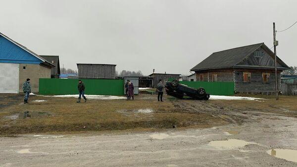 На месте стрельбы в деревне Маслова Тобольского района Тюменской области