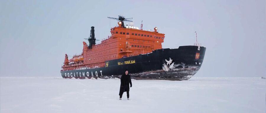 Митя Фомин на съемках видеоклипа в Арктике