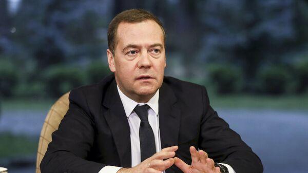 Дмитрий Медведев принимает участие в виртуальном Петербургском международном юридическом форуме 9 1/2: Законы коронавируса