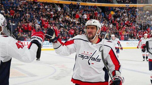 Нападающий Вашингтон Кэпиталс Александр Овечкин в матче НХЛ