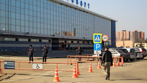 Здание аэропорта в Иркутске