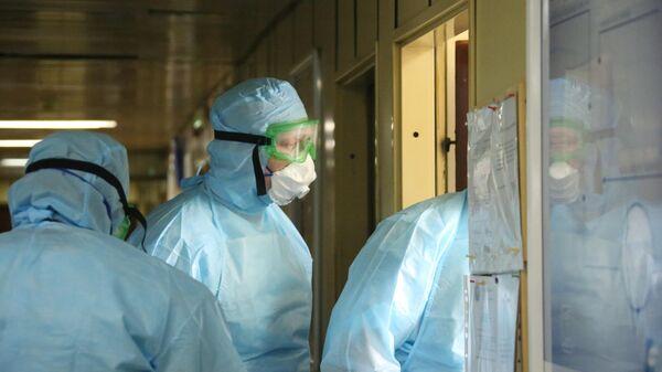 Работа российских военных медиков во время пандемии коронавируса