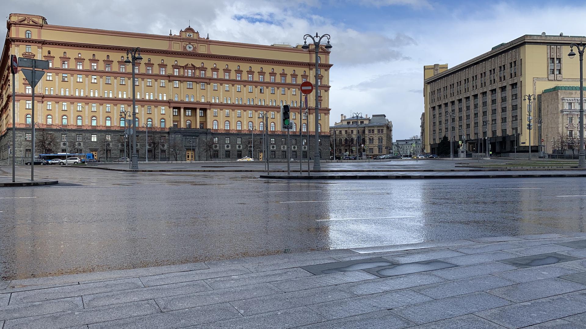 ФСБ планирует объявить Доброхотова в розыск из-за незаконного пересечения границы