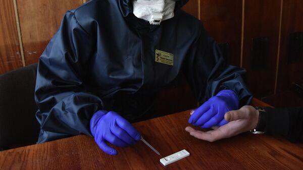 Прохождение экспресс-тестов на выявление коронавируса на Украине
