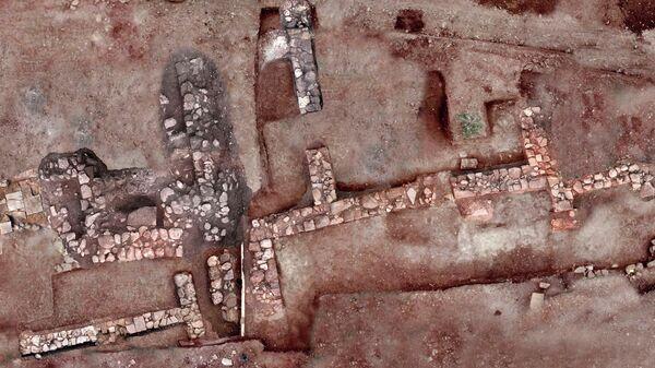 Руины древнего города Тенея