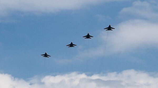 Репетиция пролёта военной авиации в Калининграде